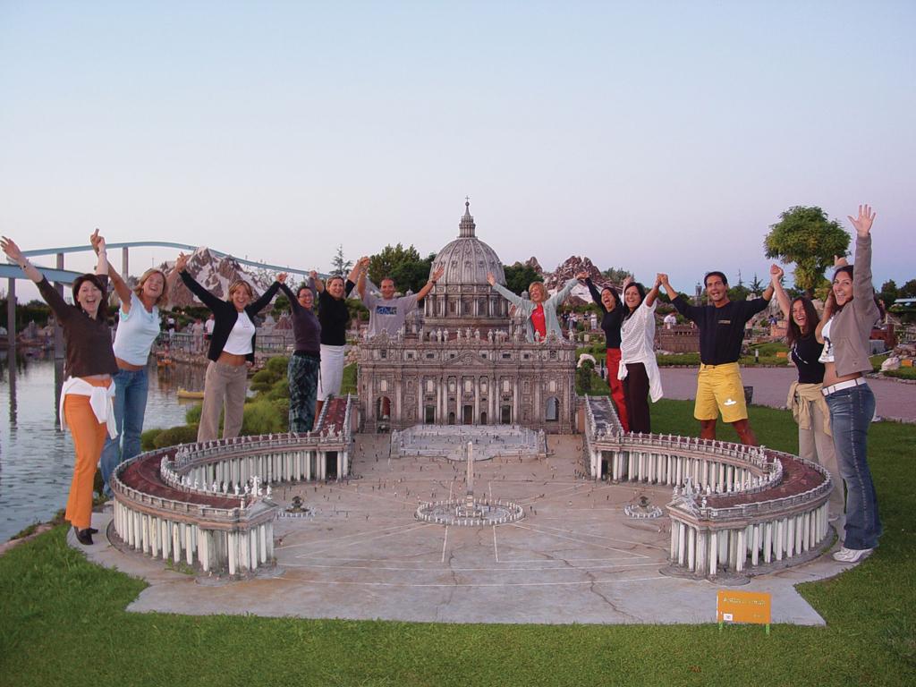 Italia in miniatura mondoparchi tanto divertimento for Ikea orari rimini