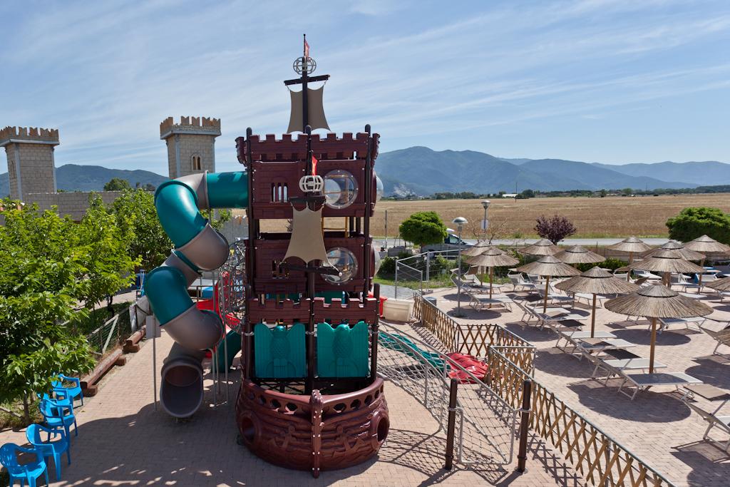 Parco divertimenti piccolo mondo mondoparchi tanto divertimento gratis tutto l 39 anno per - Piscina san giuliano terme orari ...